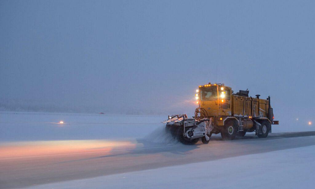 snowplow 1168280 1920 1024x614 - Oni odpowiadają za Zimowe Utrzymanie Dróg na terenie Gminy Wadowice