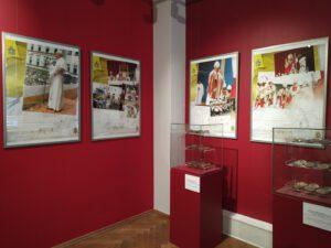 Spotkania z JP2 1 002 300x225 - Muzealna ekspozycja na papieski jubileusz