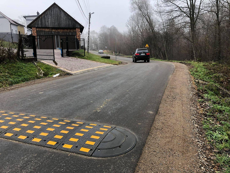 Remont kolejnej ważnej drogi wiejskiej na finiszu