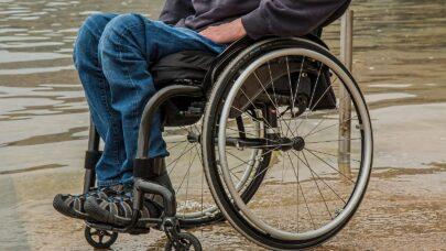 Koniec z wykluczeniem osób na wózkach inwalidzkich! Mamy pieniądze na zakup specjalnego busa!