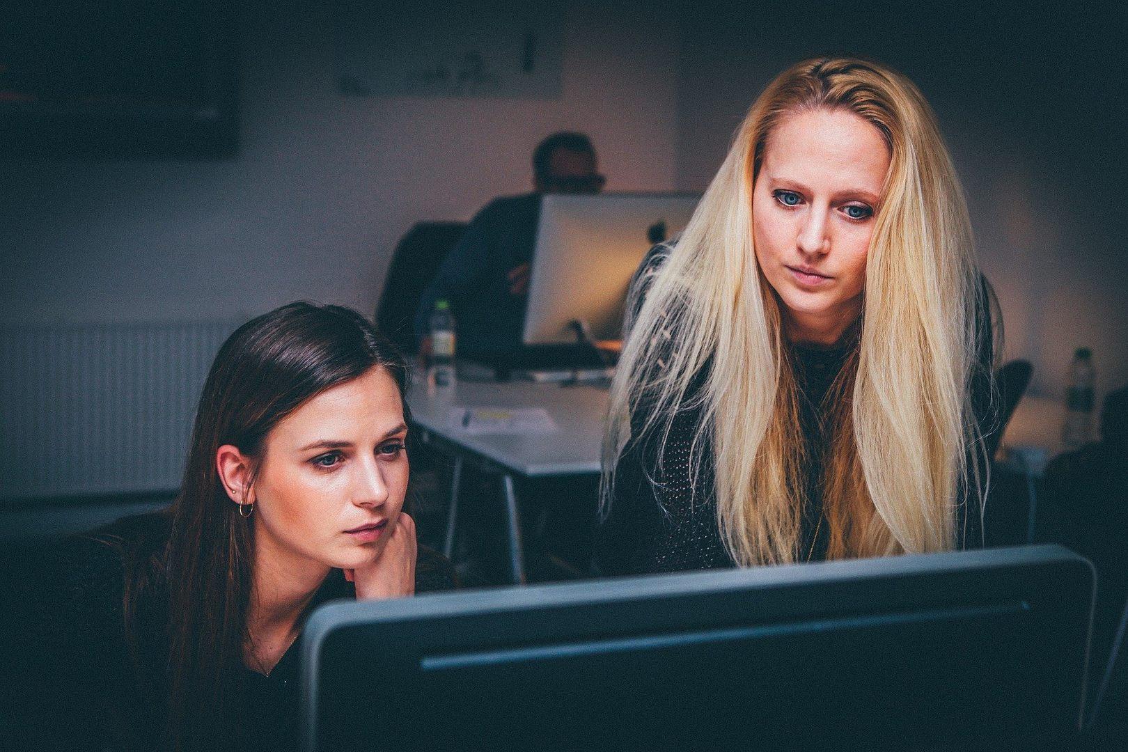 Doradztwo zawodowe i szkolenia dla osób pracujących