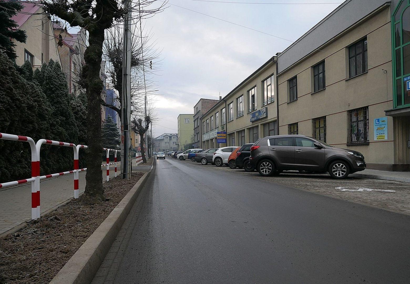 W środę malowanie pasów na ulicy Sienkiewicza [Utrudnienia]