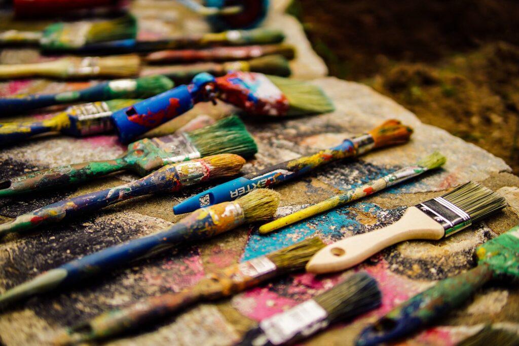 """yannis papanastasopoulos kKzbyDeb62M unsplash 1024x683 - Zapraszamy do udziału w profilaktycznym konkursie artystycznym """"Barwy życia"""""""