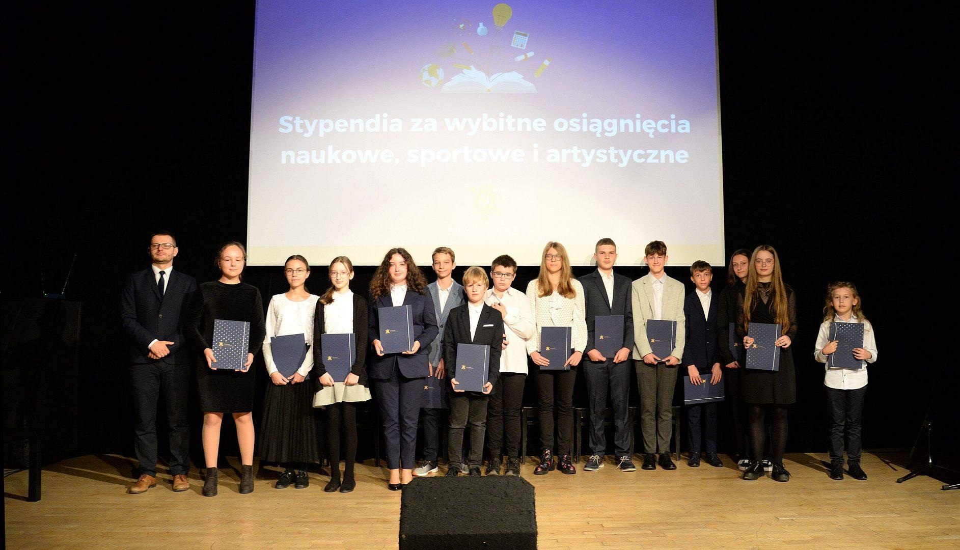 Oni otrzymali nagrody z okazji Dnia Edukacji Narodowej!